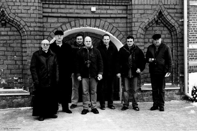 portraits-of-belarus-father-ludwik-with-preservationists-hnjezna-2011