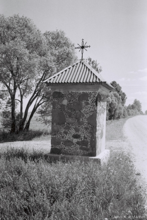 11b.Roadside Shrine, Milutsi 2017, 2017133- (F1180020