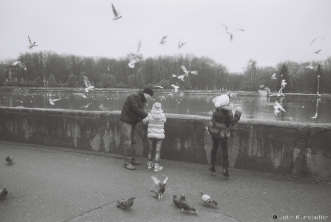 15-feeding-the-birds-mjensk-2012-2012061b-16a