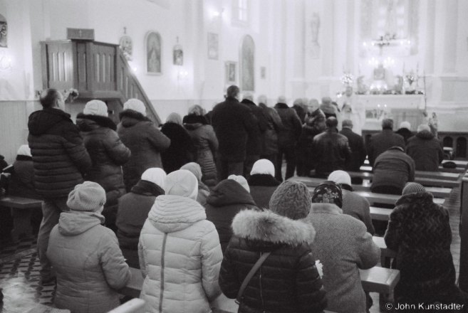 2b.Distribution of Communion, Feast of the Immaculate Conception, R.C. Church of the Immaculate Conception, Kas'tsjanjevichy 2016, 2016357-22A