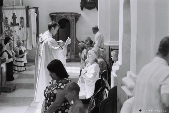 3.Distribution of Communion, Patronal Feast of Peter & Paul, Iuje 2016, 2016249- (F1190026